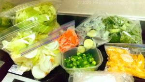 野菜は切ってから冷凍すると平日の調理も楽に