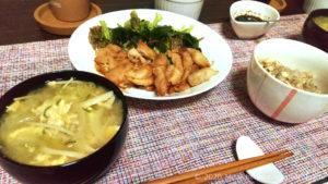 副菜に余った卵のお味噌汁