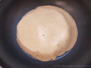 低カロリー高タンパク質ダイエット向きガレット焼く様子0